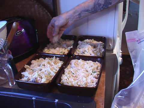 4 small casserole dishes