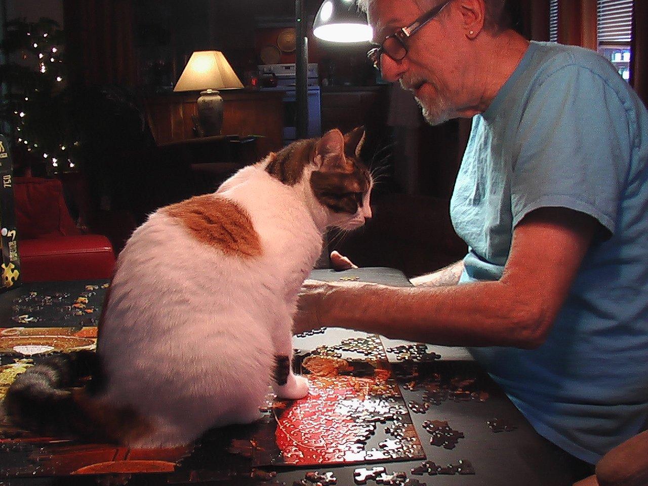 Kiki & D puzzling