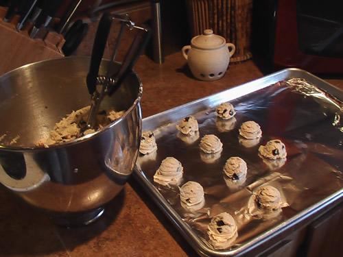 chocolate_chip_cookies_bake