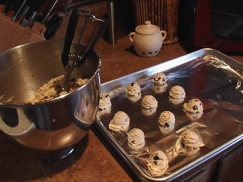 chocolate_chip_cookies_bake
